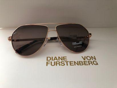 *DVF - Diane Von Fürstenberg.  Taille M,...
