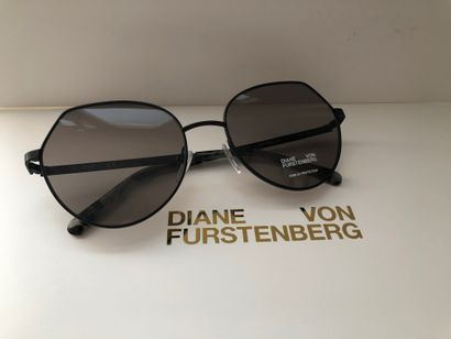 *DVF - Diane Von Fürstenberg.  Taille L,...