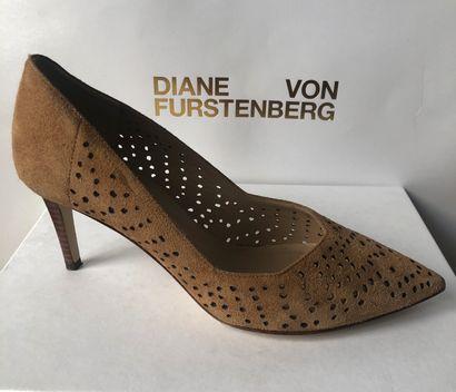 *DVF - Diane Von Fürstenberg.  Taille 36,5,...