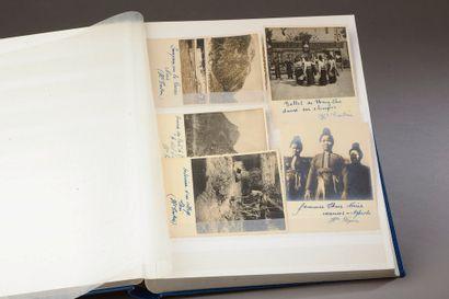 Album contenant 92 photographies souvenir...