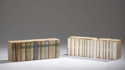 Ensemble de vingt-sept livres de la Bibliothèque...