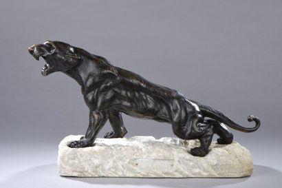 DE FIESOLE. Le tigre blessé. Bronze patiné...