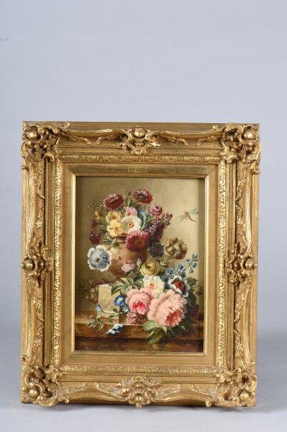 *Ecole Française / Bouquets de fleurs sur...