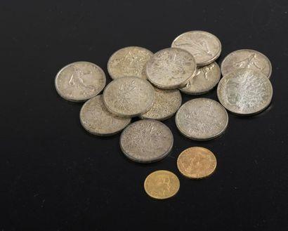 Ensemble de 14 pièces en or ou argent comprenant...