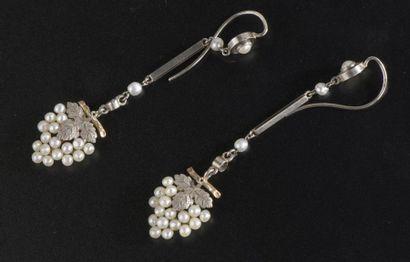 Paire de pendants d'oreille articulés en...