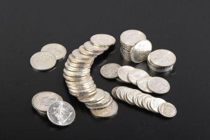 Ensemble de cinquante-neuf pièces d'argent...
