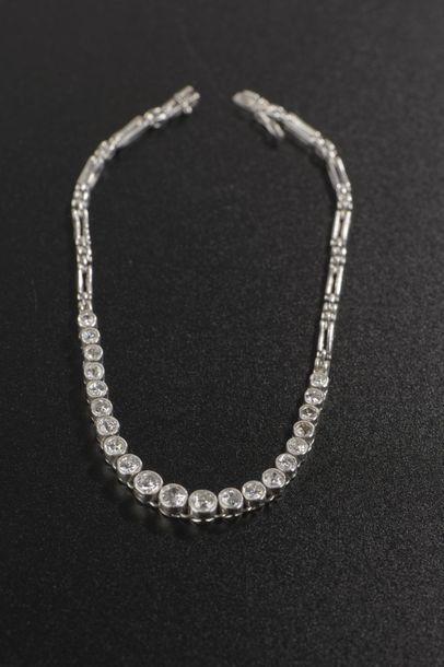 Bracelet articulé en platine 850 millièmes,...