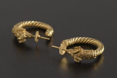 Paire de créoles torsadées en or jaune 18k,...