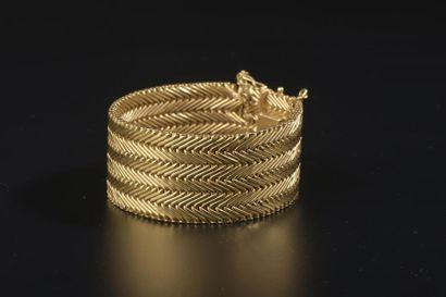 Bracelet ruban en or jaune 18k à maille polonaise,...