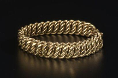Bracelet à maille américaine en or jaune...