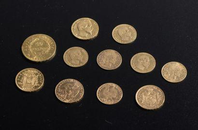 Ensemble de onze pièces en or comprenant...
