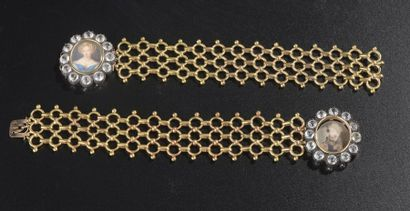 Paire de bracelets à maillons articulés en...