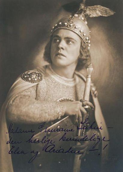 LEUER (Hubert), ténor allemand (1880-1969)