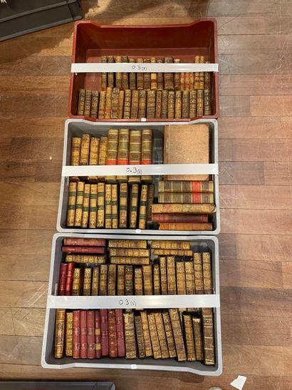 Mannettes de livres reliés et Pléiade (VISIBLES...