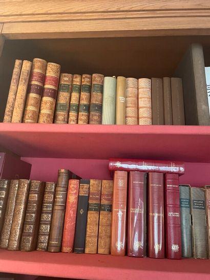 Lot de livres comprenant des livres de la...