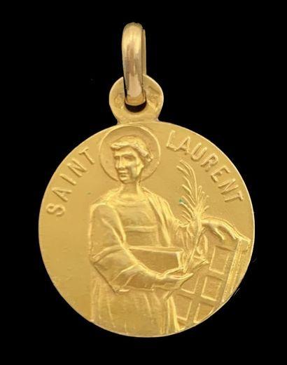 MÉDAILLE religieuse «Saint Laurent» en or...