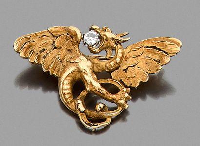 BROCHE «dragon ailé» en platine (min. 800‰)...