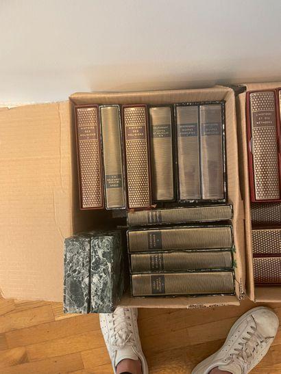 4 cartons de livres La pléiade