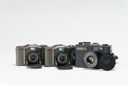 Appareils photographiques, ensemble de trois...