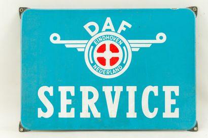 DAF SERVICE (Automobiles).  Sans mention d'émaillerie, vers 1960.  Plaque émaillée...