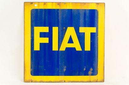 FIAT (Automobiles).  Sans mention d'émaillerie, vers 1950.  Plaque émaillée carrée...