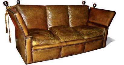 important canapé 3 places en cuir tabac clouté,...