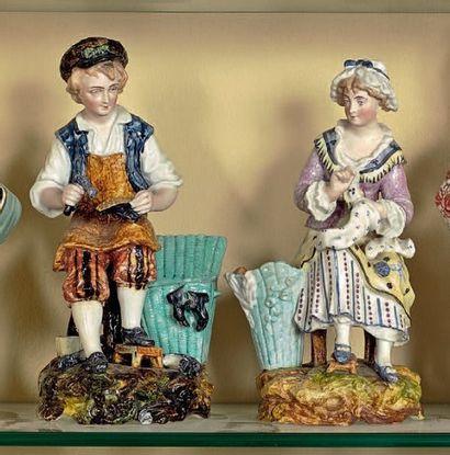 Paire de porte-bouquets, décor à pois. Cordonnière...