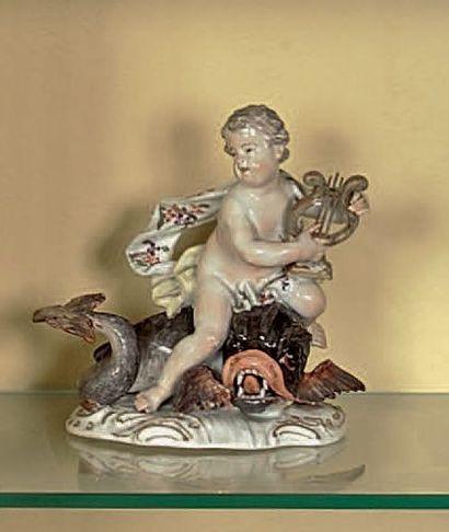 Statuette Orphée chevauchant un dauphin Marqué...