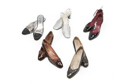 LOT de Cinq paires de souliers: CHANEL, une...