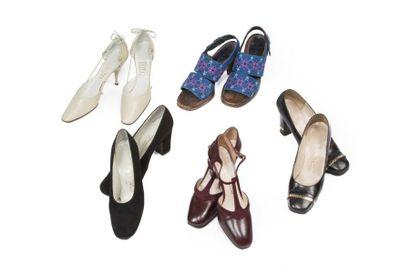 Cinq paires de souliers: Mancini, une paire...