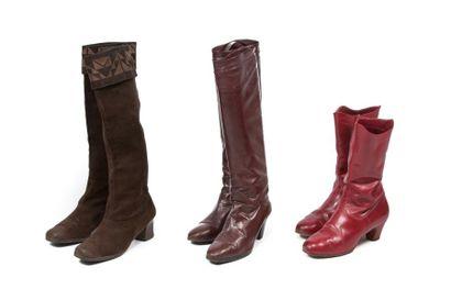 Trois paires de bottes: Christian Dior, une...