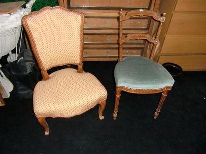 Chaise basse de style Louis XV On joint une...