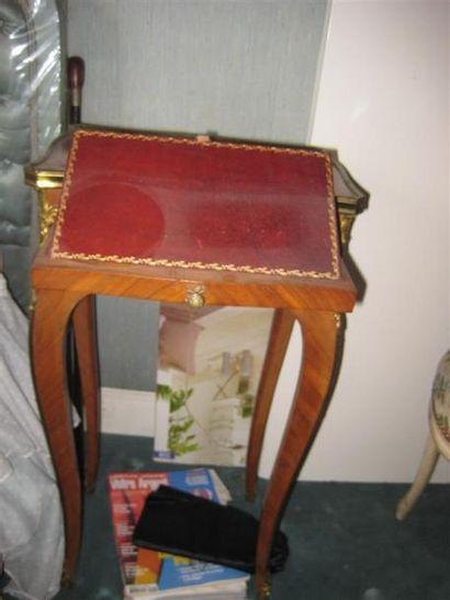 Table de chevet en bois de placage ouvrant...