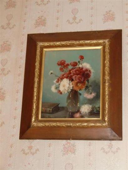 Jules LAURENS (1825-1901) Bouquet de chrysantèmes...
