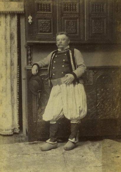 Albert GASC, photographe à Concarneau. Portrait...
