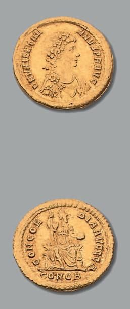 VALENTINIEN II (375-392) Solidus. Constantinople....