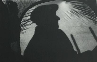 GISELE (XXème siècle) Silhouette de musicien...