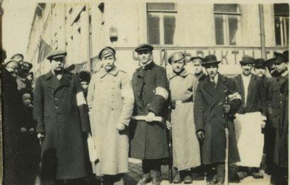 RUSSIE, 1916-1917, album de 50 photographies....