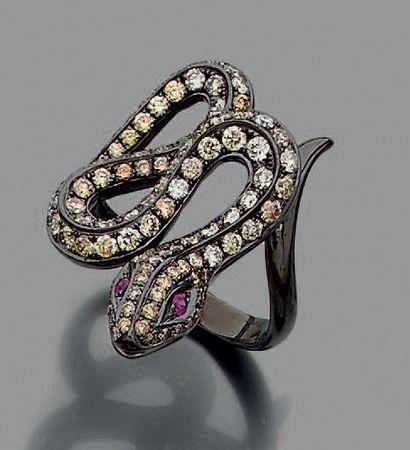 BAGUE «serpent «en or noirci (750 millièmes)...