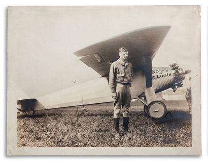LINDBERGH CHARLES (1902-1974). Aviateur et officier américain.
