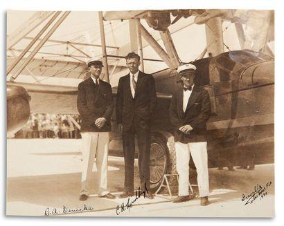LINDBERGH CHARLES (1902-1974). Aviateur et officier américain