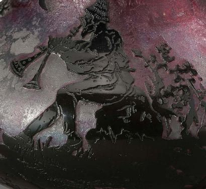 """DAUM Nancy Vase Glass Signed and dated in gold """"a Nancy fecit d'après E.Lachenal""""..."""
