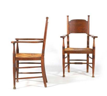 E.G. PUNNETT & WILLIAM BIRCH (XIX-XX) Paire de fauteuils Chêne, paille 110 x 61 x...