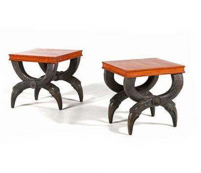 TRAVAIL FRANÇAIS Pair of stools Bronze, wood 45 x 43 x 43 cm. Circa 1970