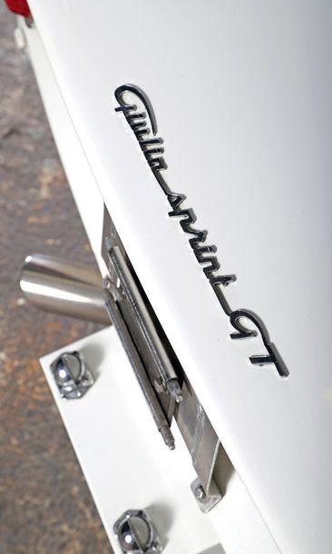 Alfa Romeo Giulia SPRINT GT 1965 *Voiture très performante 20 000 € de factures...