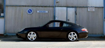 Porsche 911 TYPE 996 Carrera 4 Millenium 2000