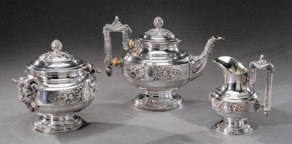 Imposant service à thé trois pièces en argent...