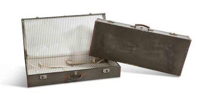 DELAGE  Lot de deux valises  La grande :...