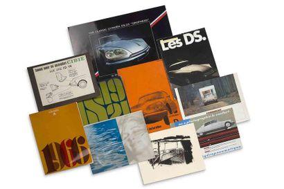 CITROEN DS  Lot de 8 brochures commerciales...