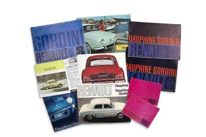 Lot catalogues Renault  Lot de 17 brochures...